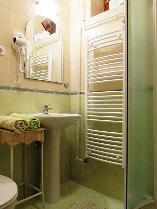 Borostyán apartman fürdőszoba